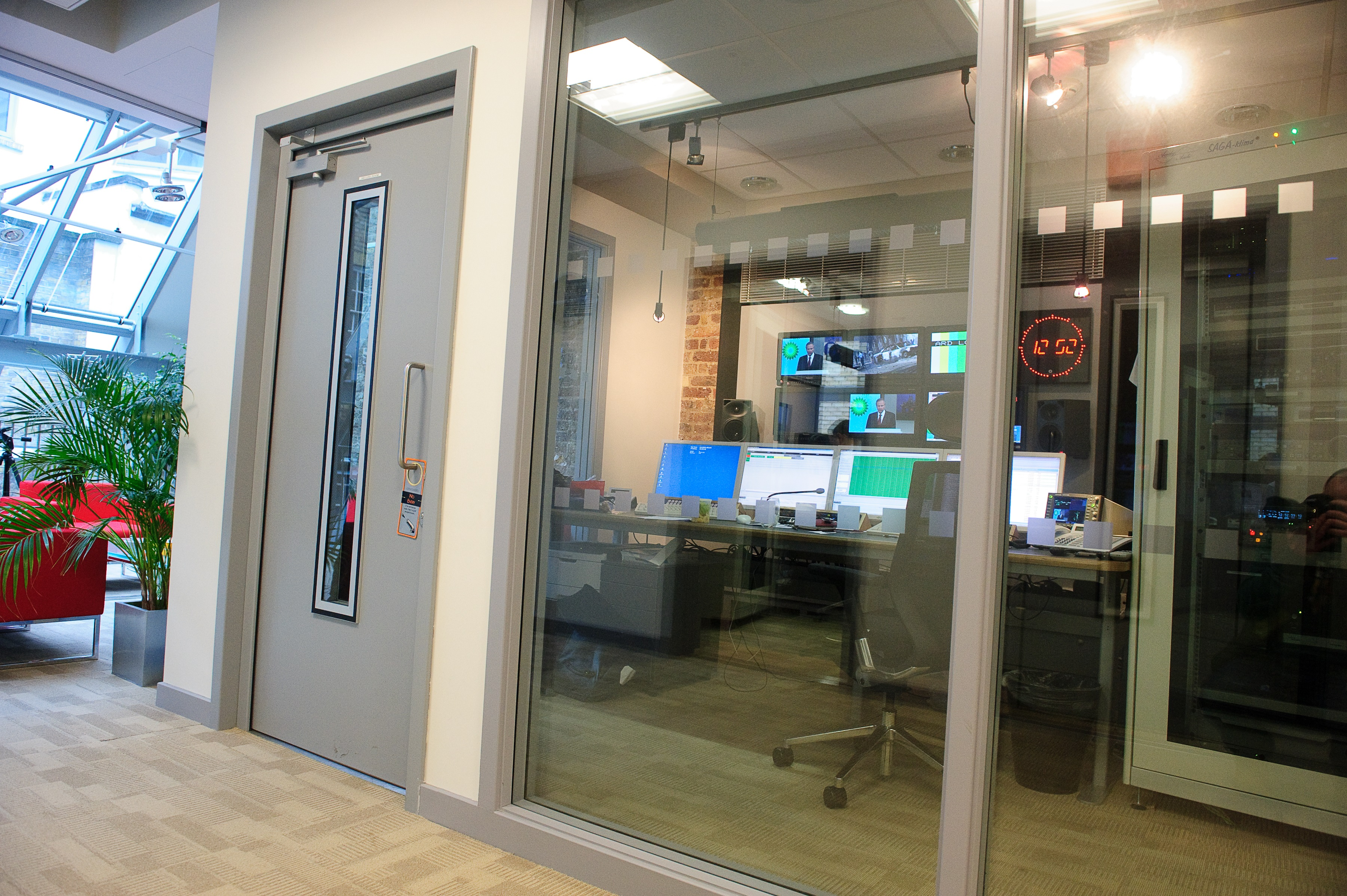 Glazed acoustic doors & Fully Glazed Acoustic Doors - Sound Insulation | Mute Soundproofing