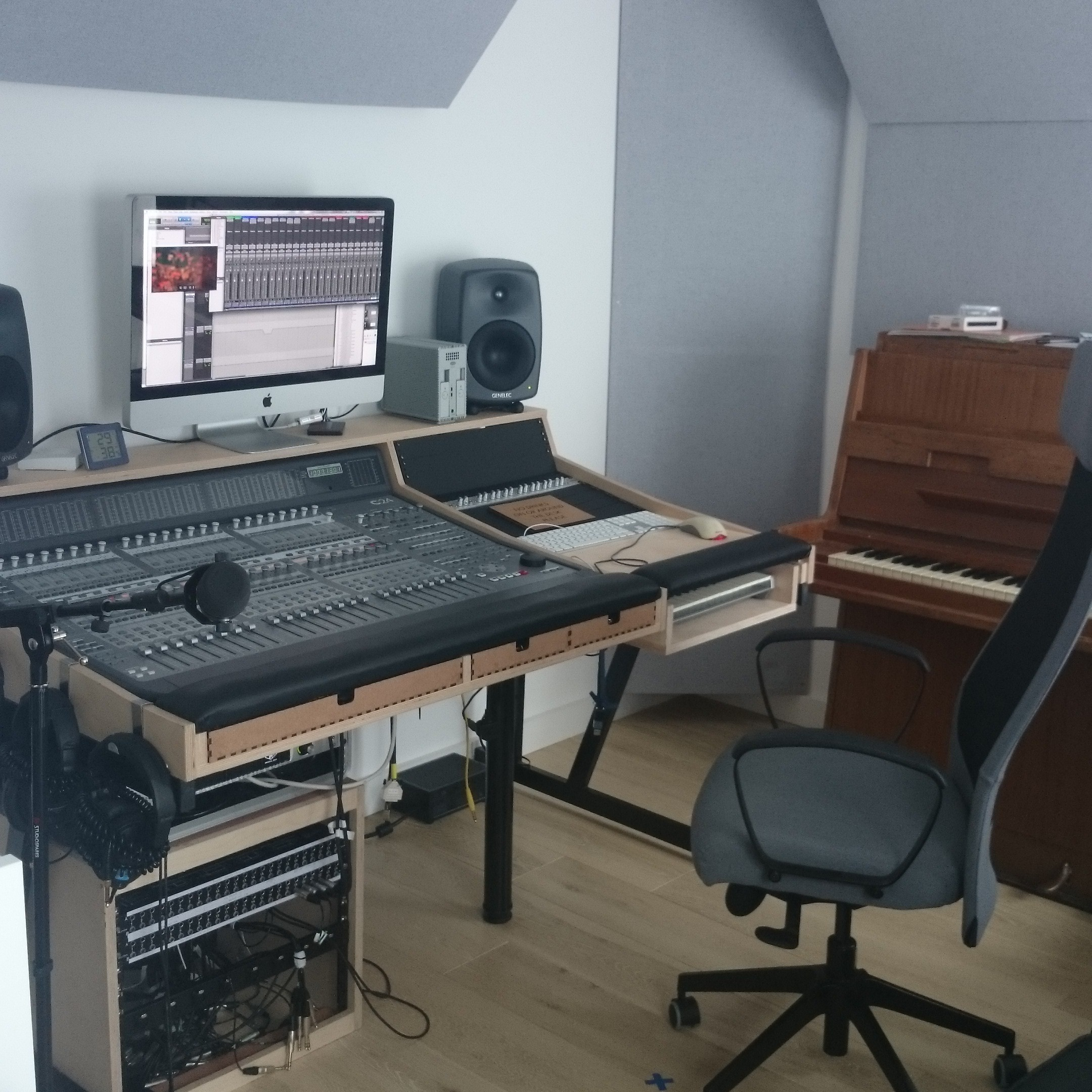 how to make a soundproof studio